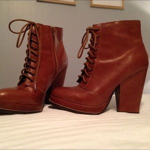 Seychelles Booties Size 7